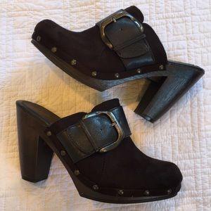 APT 9 clog shoes